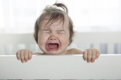 Baby schreit plötzlich
